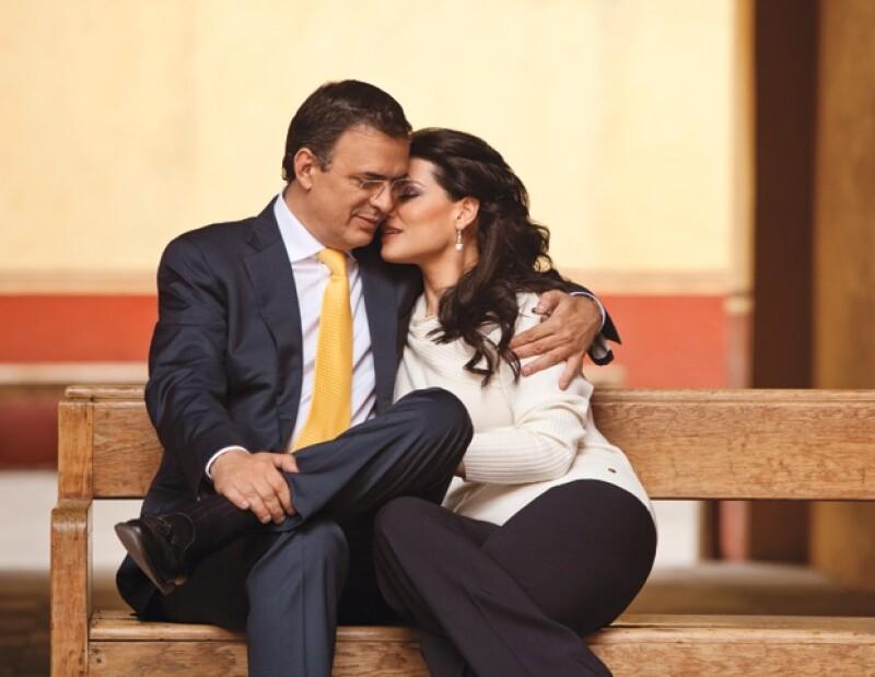 Marcelo Ebrard Casaubón y Rosalindo Bueso.