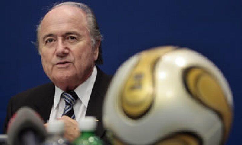 El arreglo de partidos, usualmente practicado por círculos de apuestas ilegales, se convirtió en un problema importante para el futbol en los últimos años. (Foto: AP)