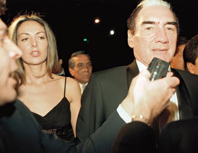 Adriana y Emilio Azcárraga Milmo en la boda de Lucero y Manuel Mijares.