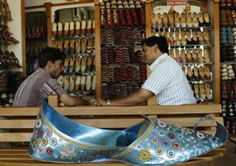 Un objetivo de esta alianza es proporcionar a los artesanos el conocimiento y experiencia necesarios en administración de negocios (Foto: AP)