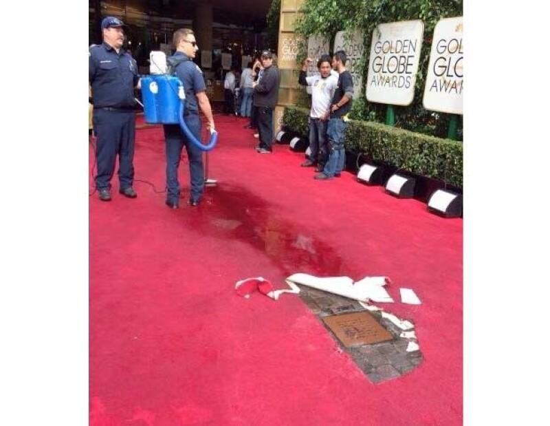 Horas antes del inicio de la ceremonia se vivieron momentos de crisis cuando una inundación amenazó con arruinar la alfombra roja.