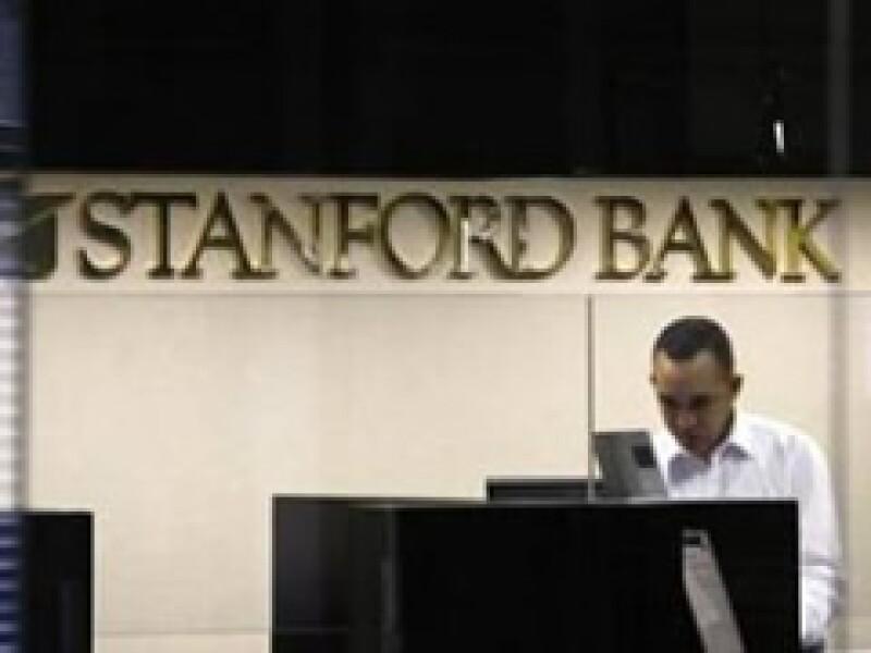 El gobierno de Venezuela intervino la mañana de este jueves las oficinas de Stanford Bank. (Foto: Reuters)