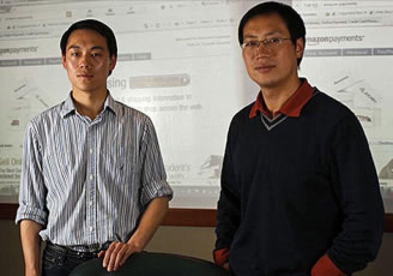Rui Wang (izq.) y el profesor XiaoFeng Wang trabajaron investigando las fallas de los pagos. (Foto: CNNMoney)