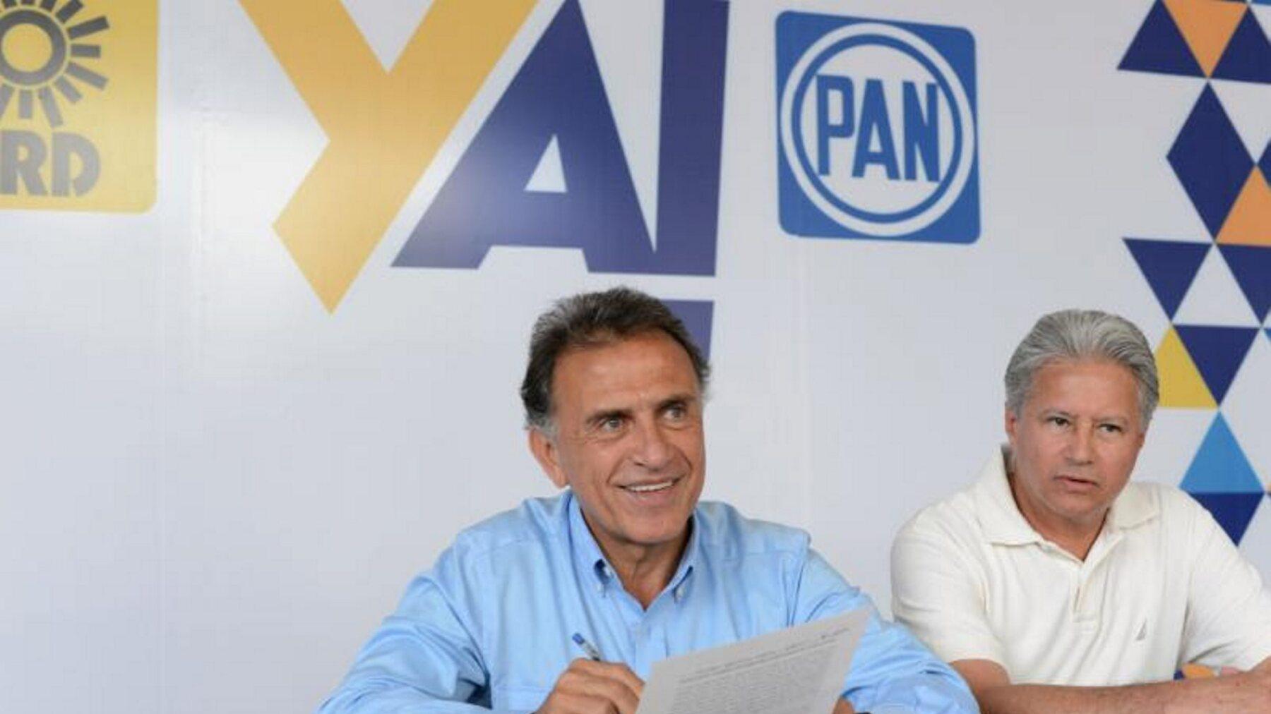 El candidato del PAN-PRD (centro) buscará reestructurar la deuda del estado con austeridad y ahorro.