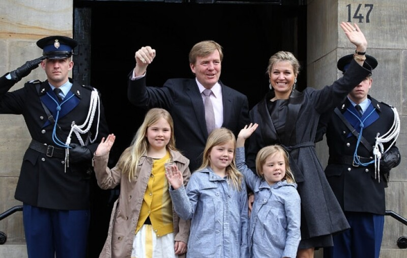 La familia real un día antes de que Máxima y Guillermo fueran nombrados reyes.