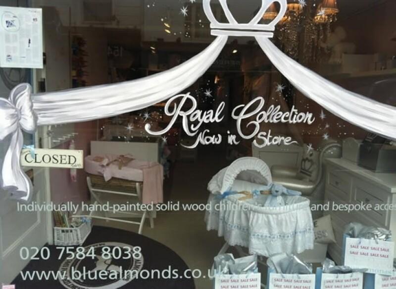 La famosa mueblería para bebés Blue Almonds, donde Kate Middleton ha comprado algunas cosas, ya vende la `Royal Collection´ inspirada en el bebé real. Es sólo una de muchas tiendas que aprovecharán el gran evento.