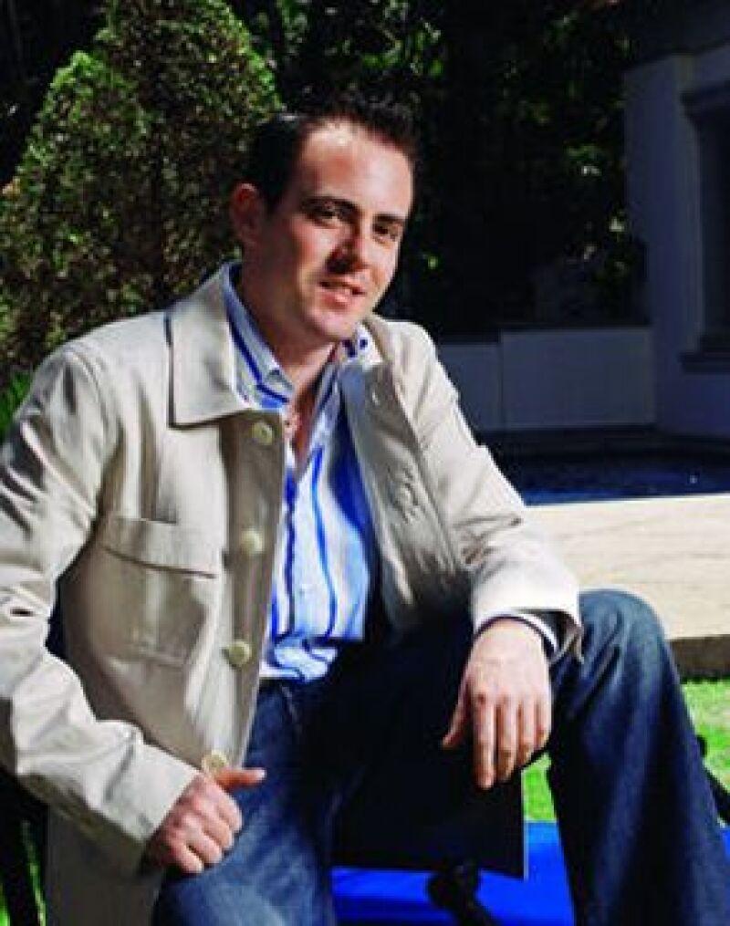 El periodista ganó en la categoría de entrevista por su trabajo `Luis Echeverría: entre lo personal y lo político´.