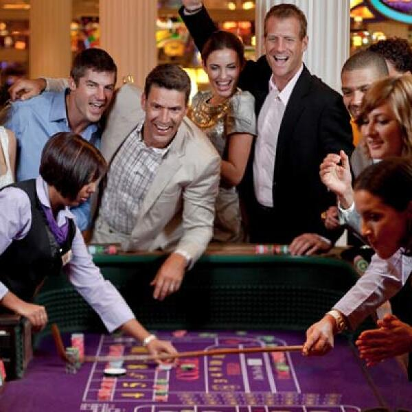 Entre sus atracciones está una zona dedicada de manera exclusiva a un casino, en donde hay más de 200 máquinas de juegos.
