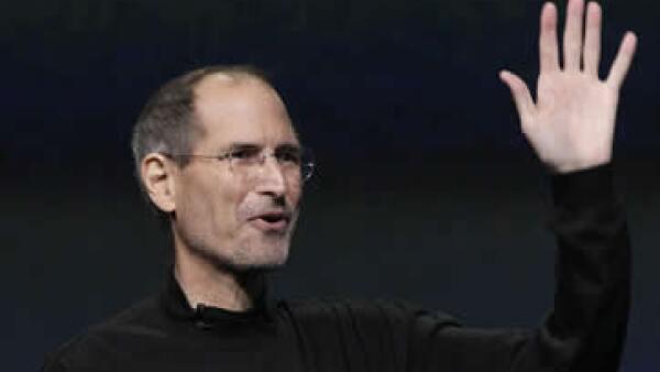 Steve Jobs cambió el mercado de la música con el reproductor de bolsillo iPod. (Foto: AP)