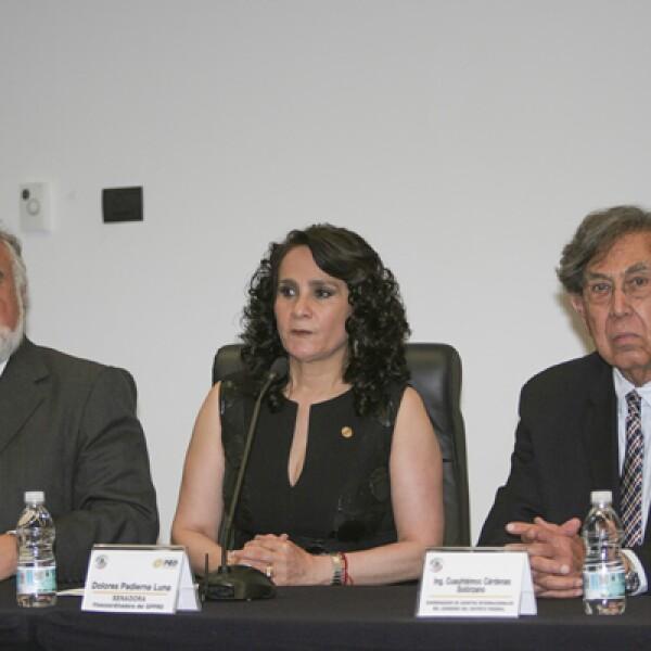 La vicecoordinadora del PRD en el Senado, Dolores Padierna, anunció que se logró un acuerdo con los partidos Revolucionario (PRI) y Acción Nacional (PAN) para avalar la reforma que permita la consulta popular o ciudadana en materia energética.