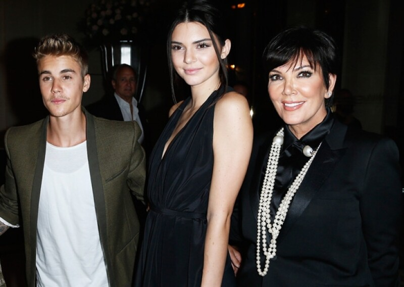 Justin Bieber parecía disfrutar de la compañía de Kendall y Kris Jenner en la fiesta de CR Fashion Book y después se fueron a cenar solos.