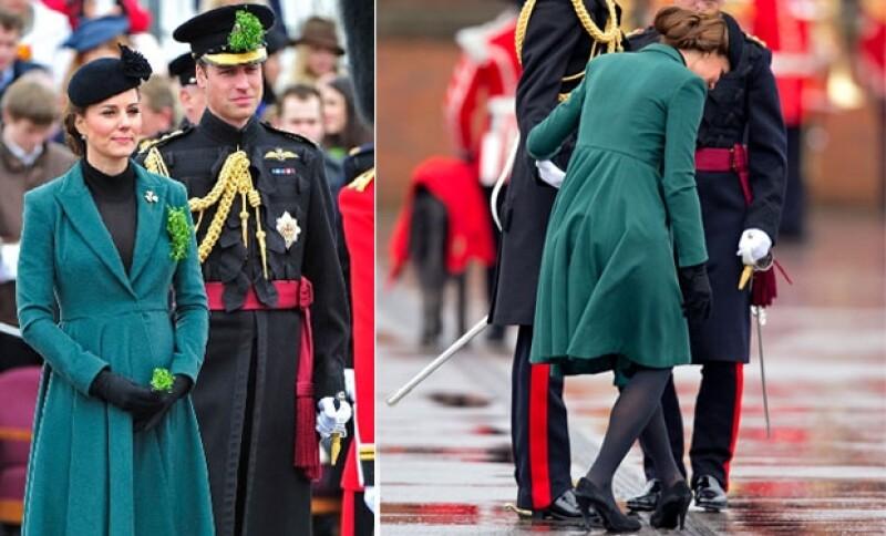Los dos lucieron muy bien y ella tuvo un ligero percance con su tacón.
