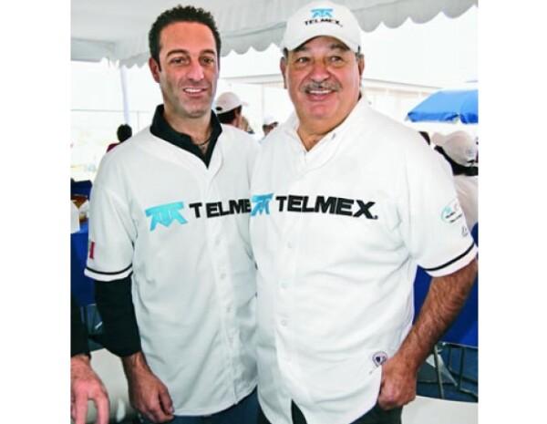 La mayor pasión del empresario son las carreras de autos, por eso creó la Escudería Telmex.