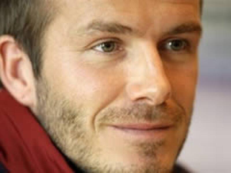 El inglés David Beckham fue traspasado al equipo estadounidense por una cifra millonaria. (Foto: AP)