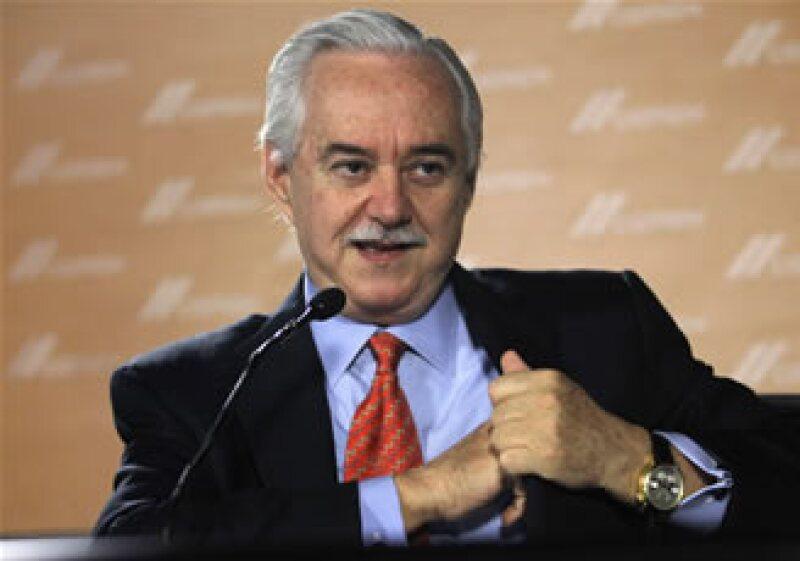 Los volúmenes de venta de la firma comandada por Lorenzo Zambrano en EU han caído 55% desde 2008. (Reuters)