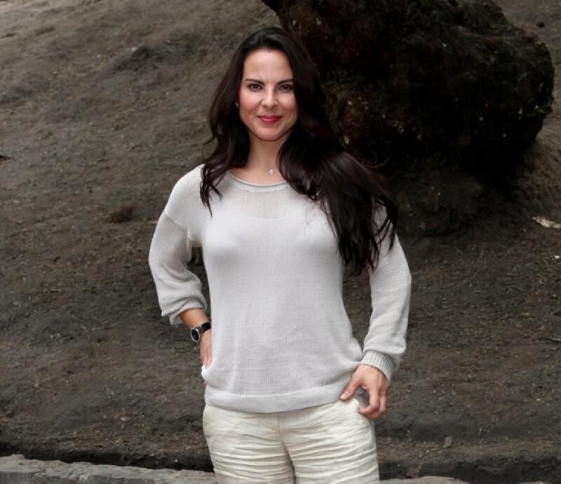 """La actriz filma a lado de Antonio Banderas la cinta """"Los 33"""". El rodaje se lleva a cabo en el desierto de Atacama y habla de la historia de los mineros que estuvieron sepultados 69 días."""