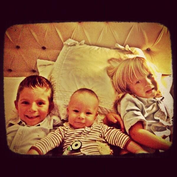 Mateo y sus hermanos. La conductora posteó: Super fin de semana de hermanos!