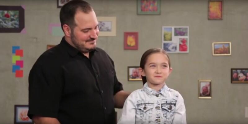 """Para Philippe Morgese hacer ponytails y trenzas a su hija era casi imposible, pero se convirtió en todo un desafío para él, que asegura: """"no se trata sólo de belleza, se trata de crear un vínculo""""."""