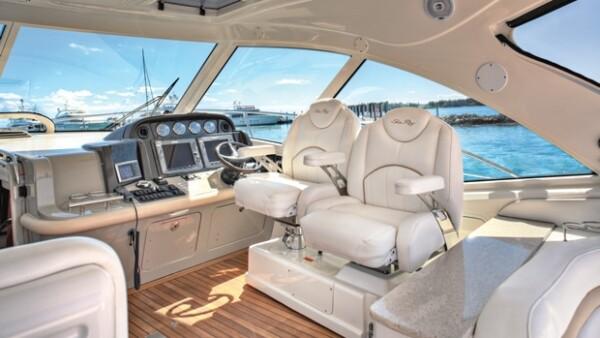 El cantante invitó a la revista Quién a Fisher Island, donde tiene anclado su Sea Ray Sundancer, un paraíso sobre el mar en el que disfruta de momentos íntimos con su familia y amigos.