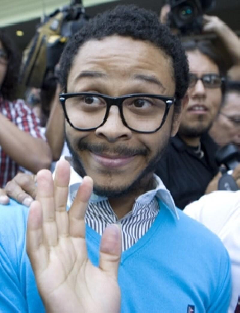 Ayer por la tarde el procurador Gaspar Armando García Torres notificó el cantante queda exonerado por el delito de violación, denuncia que se le había hecho en diciembre de 2010.