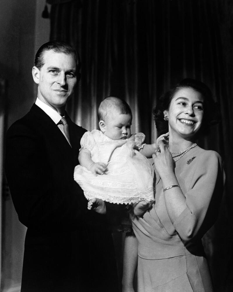 Felipe, Carlos bebé e Isabel