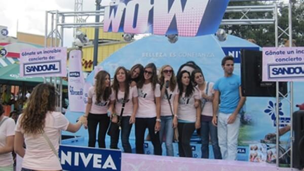 Las estudiantes disfrutaron de un día lleno de diversión y se llevaron productos de la línea de Nivea para adolescentes: Yo Wow.