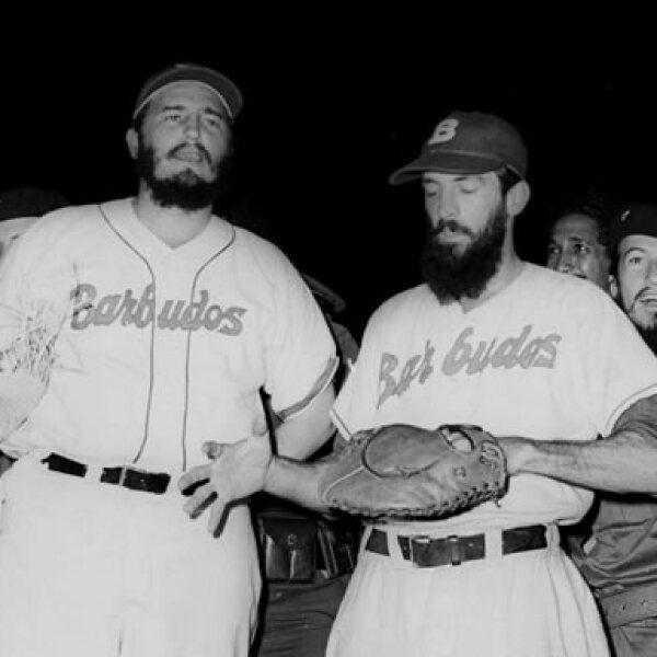 Durante sus años de estudiante, Fidel Castro fue delantero del equipo de baloncesto de su escuela. Posteriormente abandonaría el 'deporte ráfaga' por el béisbol