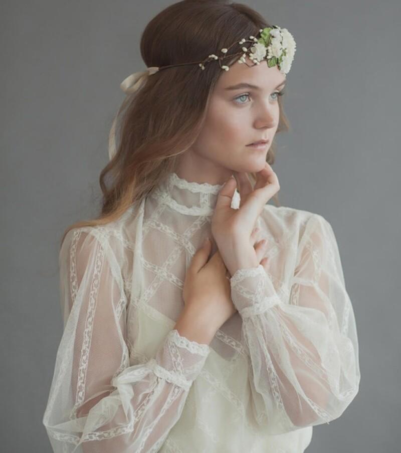 Una nueva corriente natural, melancólica y medieval se cuela entre las tendencias nupciales para las novias más relajadas y arriesgadas.