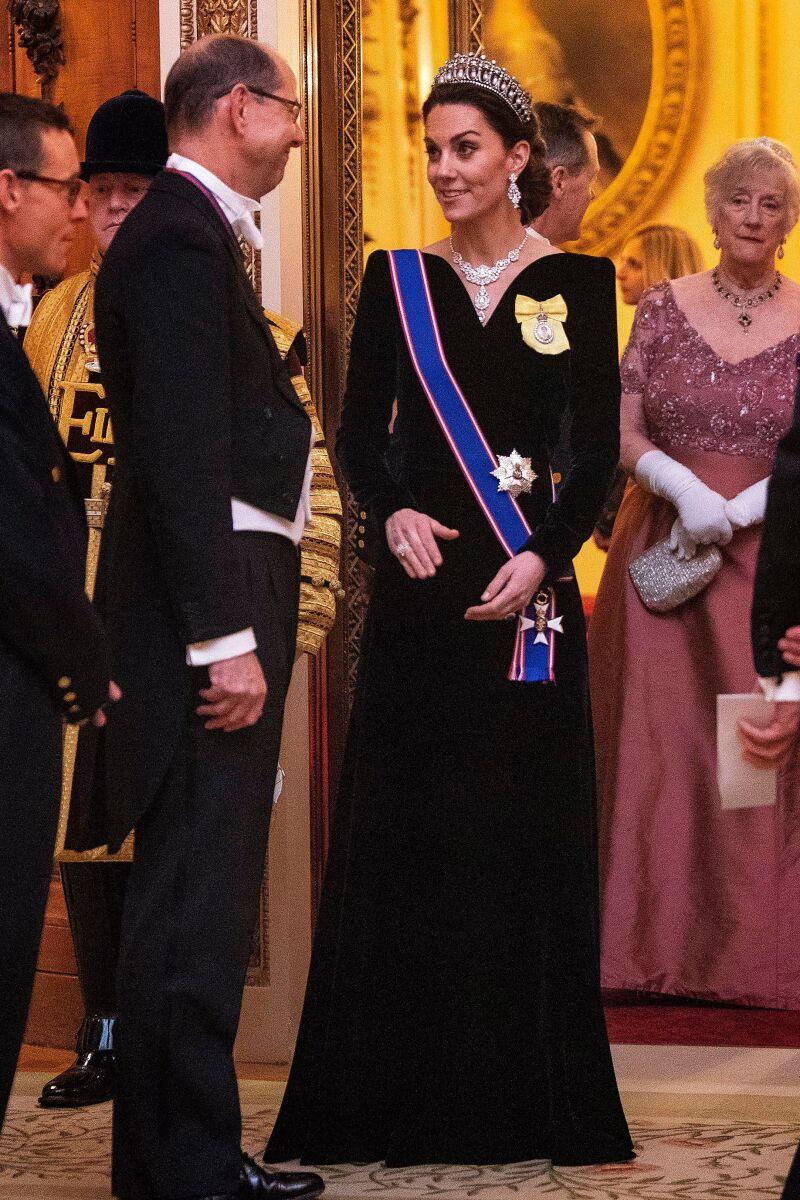 Desde su boda, la duquesa ha confiado sus looks a Alexander McQueen.
