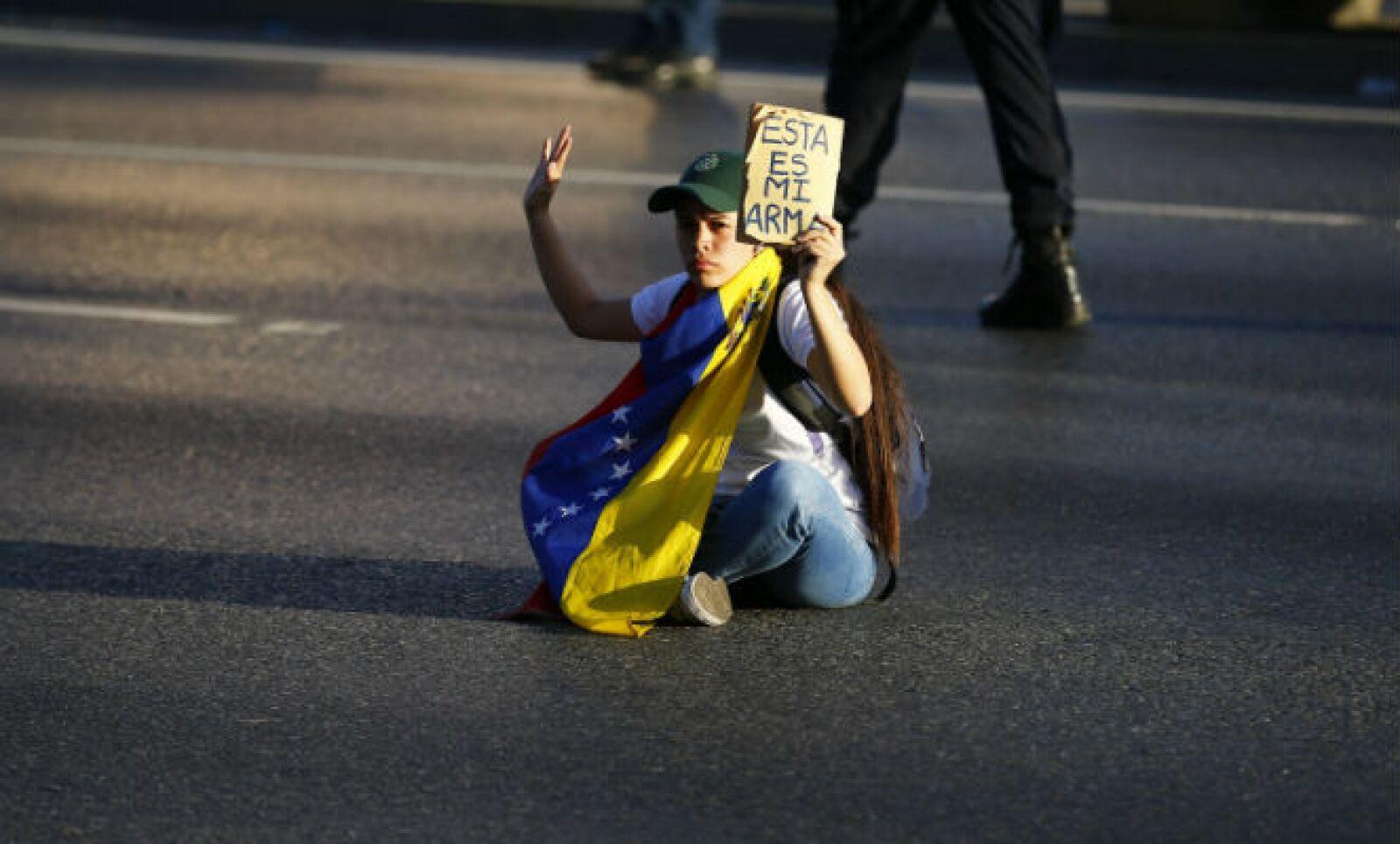 Opositores al gobierno de Nicolás Maduro regresaron a las calles tras las protestas del miércoles que dejaron tres muertos.