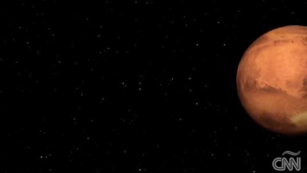 Científicos italianos hallan evidencia de agua líquida debajo del hielo en Marte