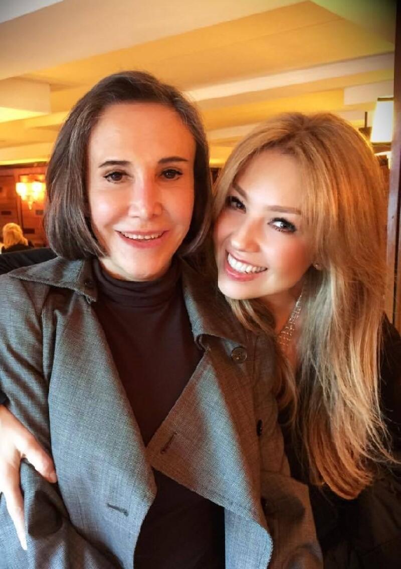 Thalía y Florinda Meza durante su reciente encuentro, lleno de plática y diversión.