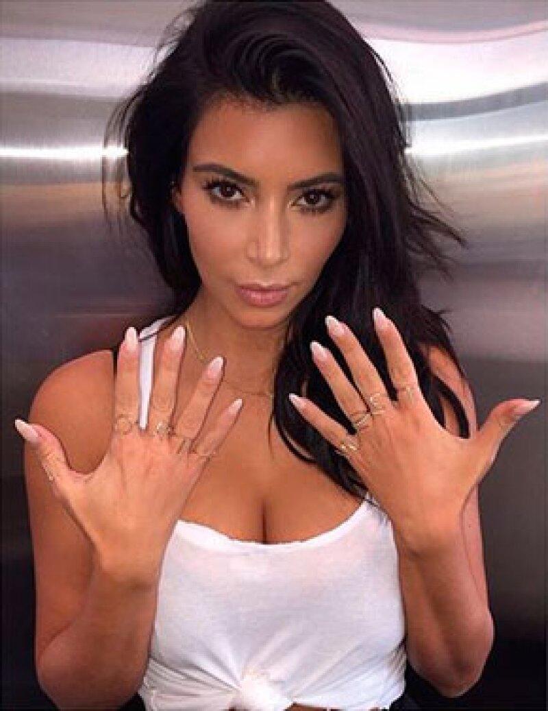 La sociliaté presumió en Instagram nueve anillos de oro que en sus dedos forman el nombre completo: North West.