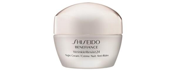 rutina-nocturna-skincare-noche-piel-suero-crema hidratante-limpiador-exfoliante químico-shiseido