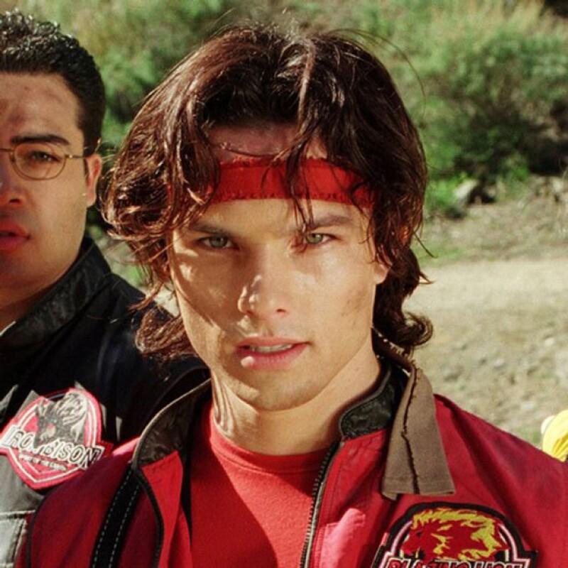 Ricardo Medina, quien interpretaba al Power Ranger rojo, fue acusado de asesinar a su compañero de cuarto con una espada. Él alegó haberlo hecho en defensa propia.
