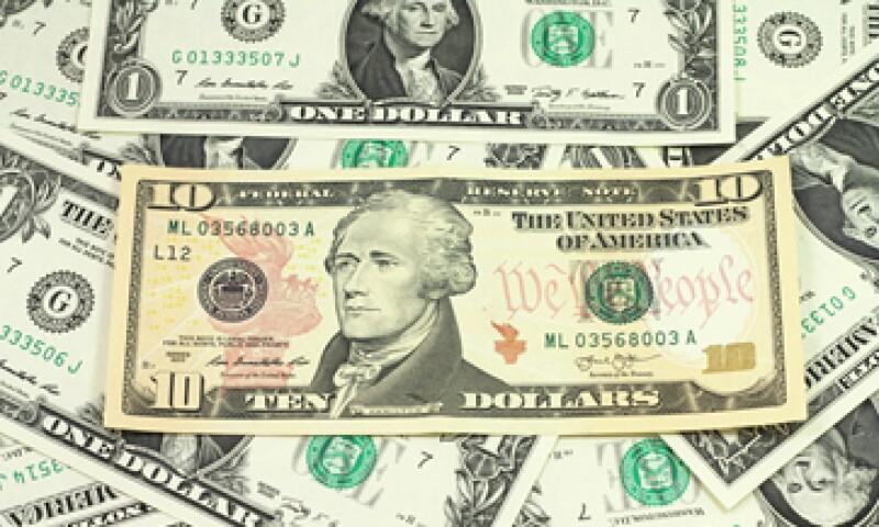 A la compra, el dólar se ubica en 15.90 pesos. (Foto: shutterstock.com)