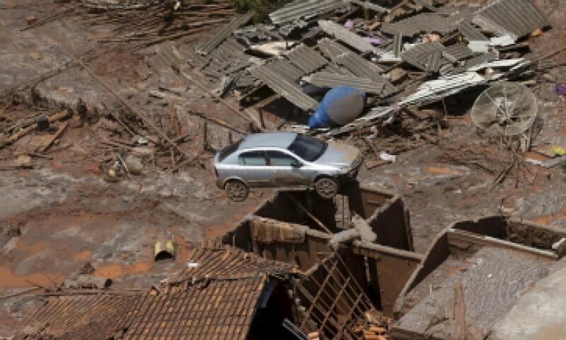 Bento Rodrigues, un pueblo en el estado brasileño de Minas Gerais, fue afectado por los restos luego de que la represa de la mina Samarco se derrumbara. (Foto: Reuters)