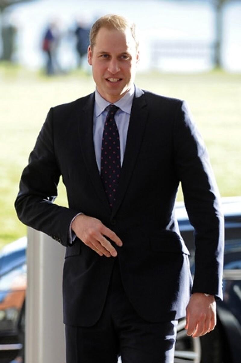 El heredero a la corona británica comenzará a estudiar Economía Rural. Medios aseguran que en un futuro se encargará de gestionar personalmente las fincas que heredará de su padre.