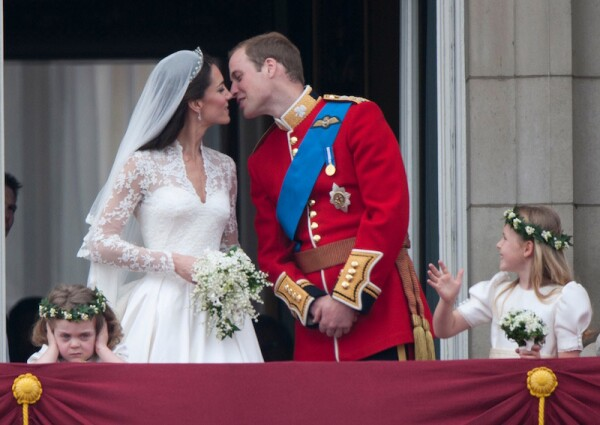 beso-kate-y-william