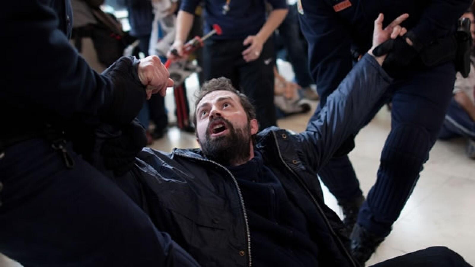 arresto de trabajador del aeropuerto de barajas