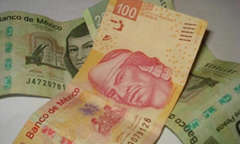 Los expertos creen que el rango de 12.25 a 12.80 pesos por dólar enmarcará la mayor parte de los negocios de la jornada. (Foto: Karina Hernández)