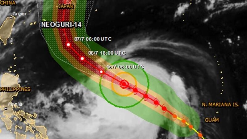 El tifón ?Neoguri? se mueve hacia la isla japonesa de Okinawa y amenaza con fuertes vientos y olas de hasta 9 metros