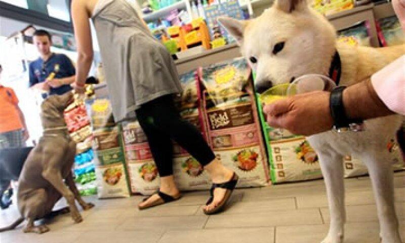 El helado para perros es servido en un vaso. (Foto: AP)