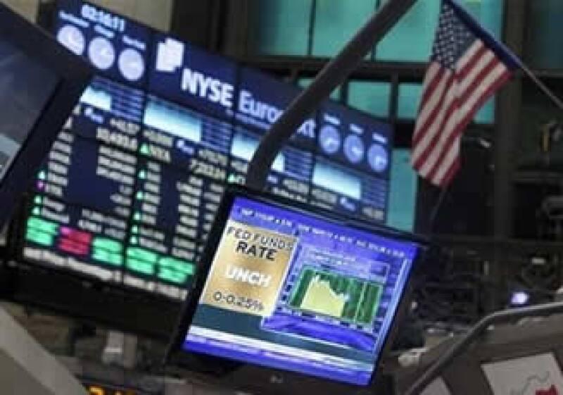 El índice industrial Dow Jones de la NYSE llegó a caer 9% durante la sesión en que se desató el nerviosismo por la crisis de Grecia. (Foto: AP)