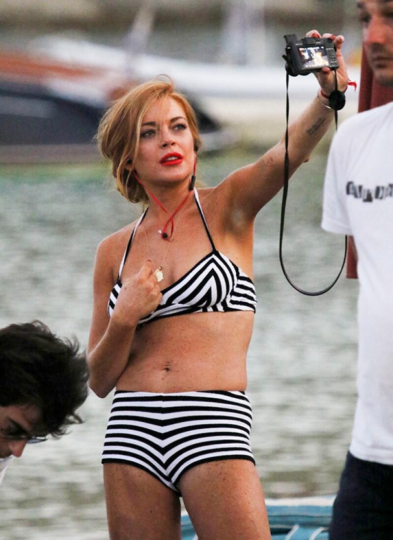 La cantante se encuentra disfrutando de Grecia sin importarle las críticas hacia su imagen.