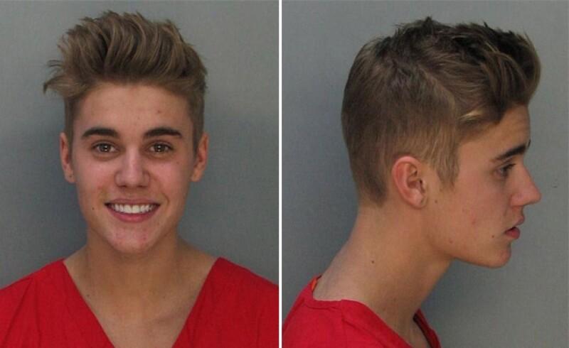 El cantante fue arrestado por conducir bajo los efectos de las drogas y el alcohol .