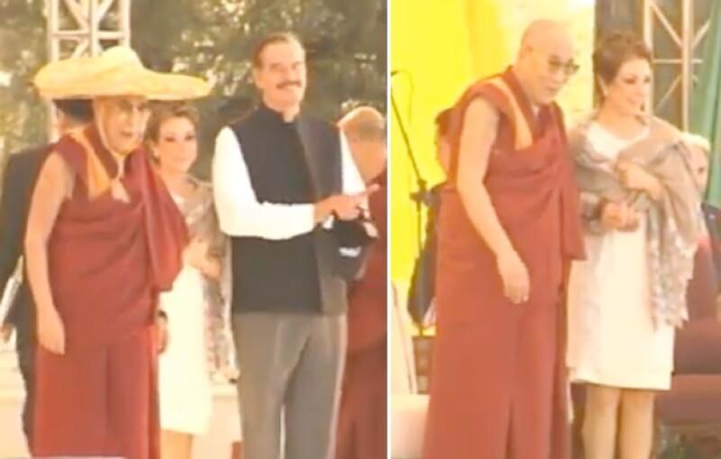 Durante su llegada al Centro Fox para la conferencia del martes, el Dalai Lama usó un sombrero charro que llevaba su nombre.