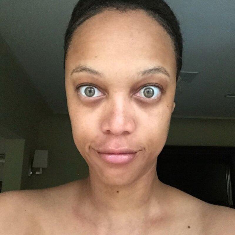 La top model mostró a sus seguidores en Instagram cómo luce 'al natural', haciéndoles saber que no tiene nada que esconder.