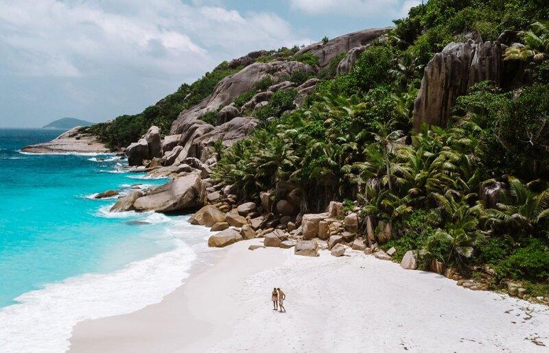 pareja-atrapada-maldivas-luna-de-miel
