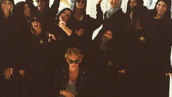 La ex de Justin Bieber subió una imagen a su Instagram en la que le faltó el respeto a la cultura musulmana.